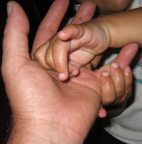 File:Kiki's and daddy's hand(s).jpg