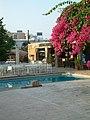 Kings hotel pool & bar - panoramio.jpg