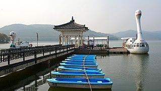 Korea-Gyeongju-Bomun Lake-Boats-01.jpg