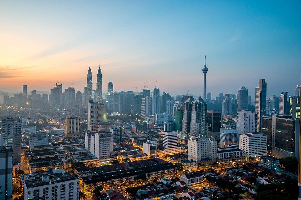 Kuala Lumpur at dawn (18794580599)