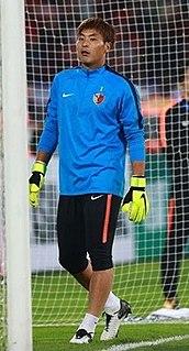 Kwoun Sun-tae South Korean football goalkeeper (born 1984)