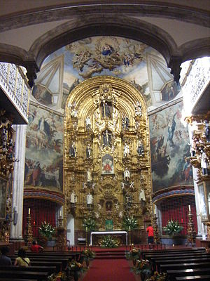 La Enseñanza Church - Main altar