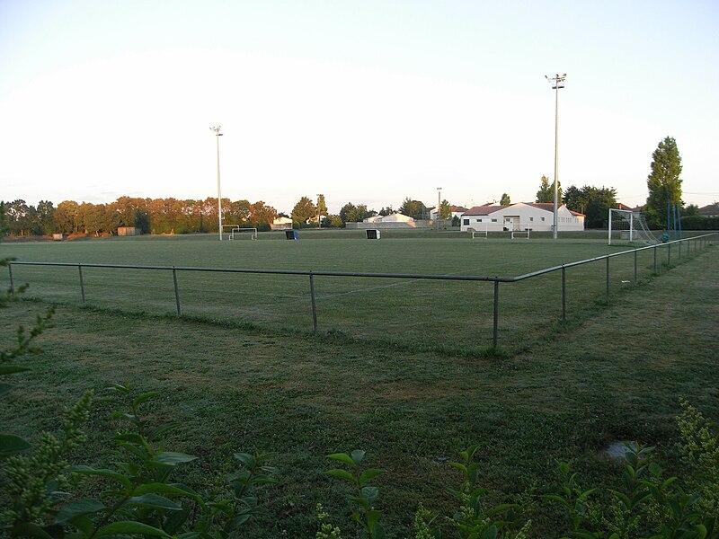 Terrain de football, commune de La Jarrie en Charente-Maritime (France)
