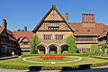La cour intérieure du château de Cecilienhof (Potsdam) (2731361224).jpg