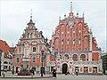 La place de lhôtel de ville (Riga).jpg
