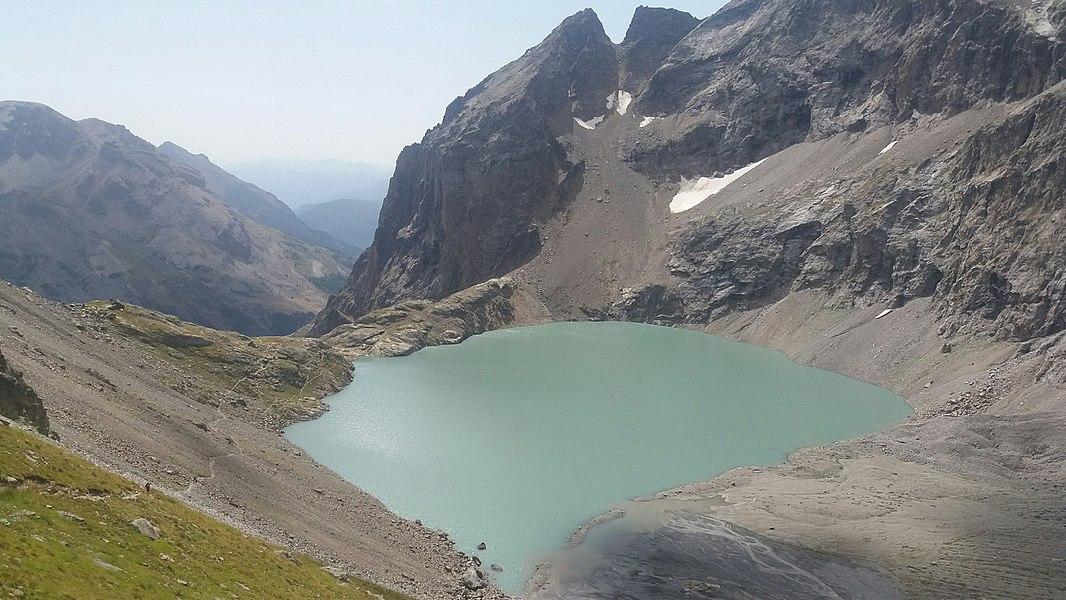 Le Lac de l'Eychauda vu depuis le Col des Grangettes.