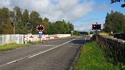 Lairg level crossing (15255720011).jpg