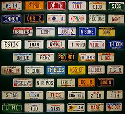 License plates displaying the Preamble to the Constitution, 1988