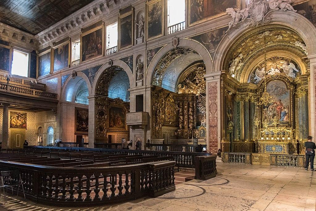 > Dans la nave de l'église Igreja de São Roque à Lisbonne - Photo de Scott Dexter