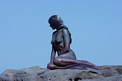 Little Mermaid Statue.jpg