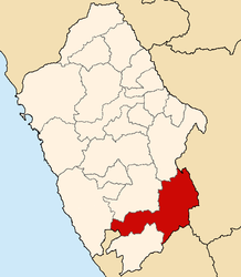 The district of Huallanca is located in the extreme northeast of the Province of Bolognesi (marked in red)