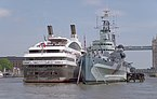 "London MMB »0V7 ""Le Boreal"" and HMS Belfast.jpg"
