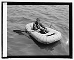 Lt. R.E. Byrd, U.S.N, in rubber life boat, 4-27-25 LCCN2016839689.jpg