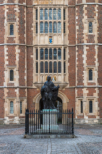 Eton College - Statue of the founder Henry VI in School Yard