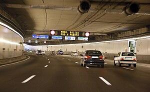 Autopista de Circunvalación M-30 - Image: M 30 tunel
