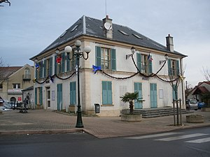 Saclay - The town hall in Saclay