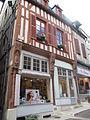 Maison de Bois XVIe siècle Joigny.JPG
