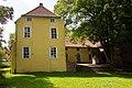 Maninga-Burg in Pewsum (Krummhörn) IMG 6667.jpg
