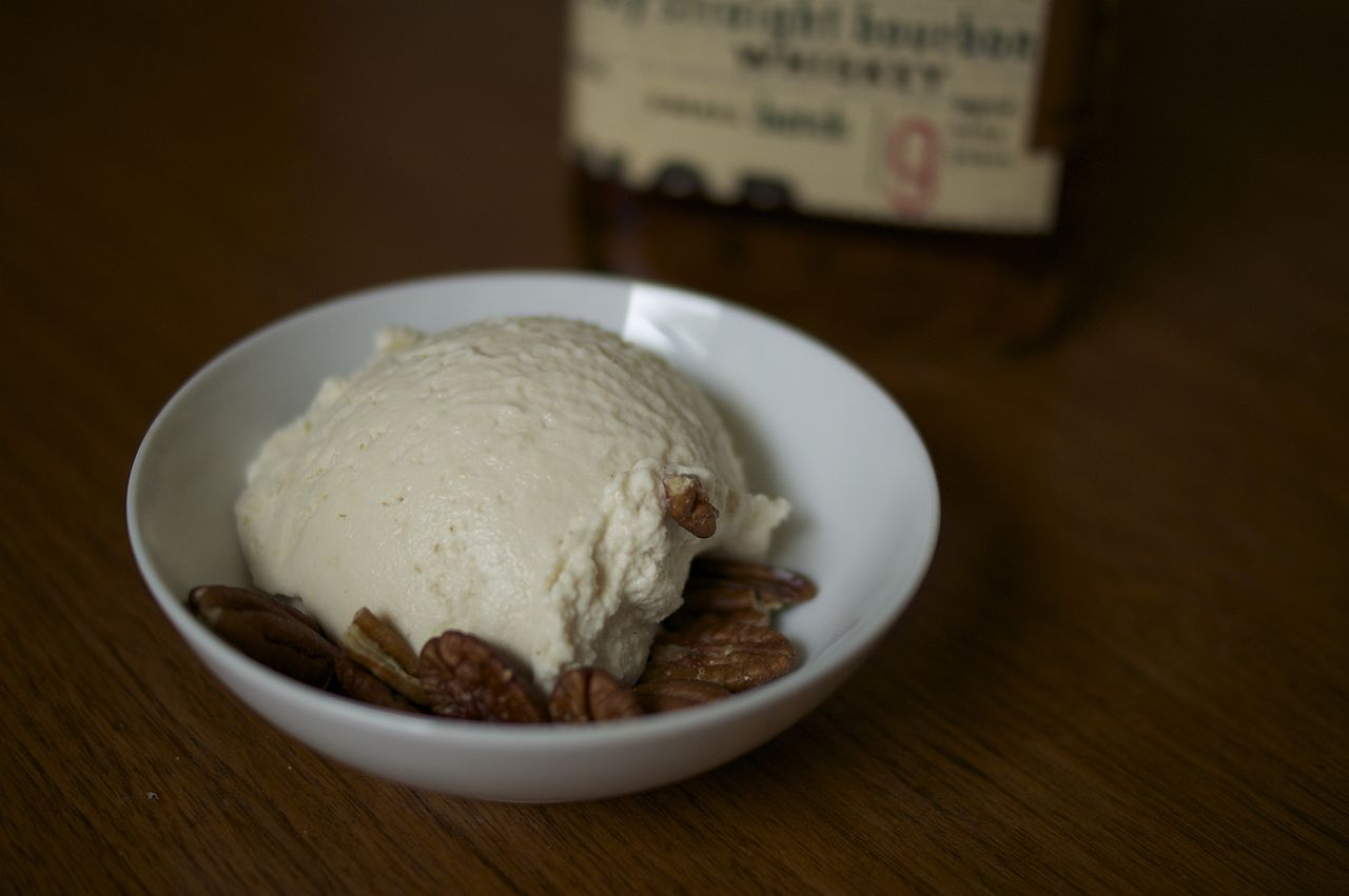 File:Maple bourbon ice cream (8927728129).jpg - Wikimedia Commons
