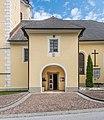 Maria Rain Kirchenstrasse 61 Pfarrkirche Mariä Himmelfahrt Vorhalle 13072018 3876.jpg