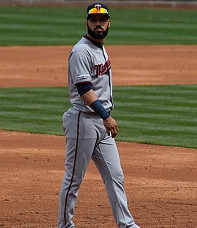 Marwin Gonzalez with Twins (cropped).jpg