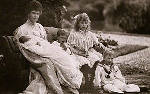 Prince John of the United Kingdom - The Princess of Wales with her four youngest children, c. 1905