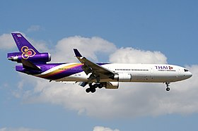 McDonnell Douglas MD-11, Thai Airways International AN0964022.jpg