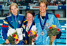 Melissa Carlton gold 400m free with minor medallists.jpg