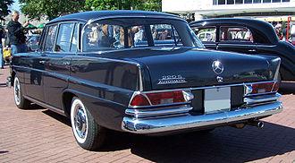 Mercedes-Benz W111 - Mercedes-Benz 220Sb