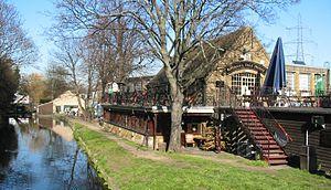 Merton Abbey Mills - Image: Merton Abbey Mills Riverside pub
