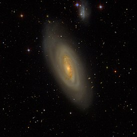 Messier90 - SDSS DR14 (panorama).jpg