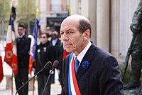 Michel Herbillon lors de la cérémonie du 8 mai 2010-003.JPG