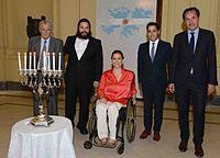 Michetti celebrando Janucá.jpg