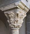 Millstatt Benediktinerstift Kreuzgang Mittelsaeule langobardisches Kapitell 2004201 2309.jpg