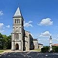 Montchaude 16 Église vue SW 2013.jpg