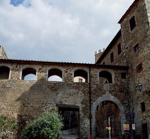 Montemerano Mura e Porta Grossetana