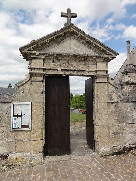 Montigny-Lengrain (Aisne) portail de l'ancien cimetière