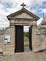 Montigny-Lengrain (Aisne) portail de l'ancien cimetière.JPG
