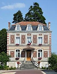 Montmoreau-St-Cybard 16 Mairie 2013.jpg