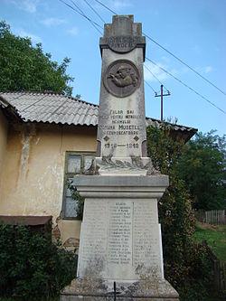 MonumentMusetesti (2).JPG