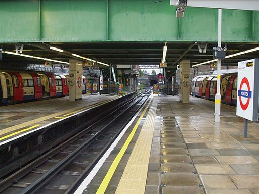 Morden station platform 3 look north