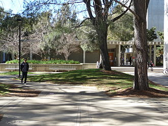 John Muir College - Jerome Katzin Courtyard