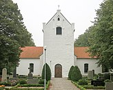 Fil:Nevishögs kyrka, september 2014.jpg
