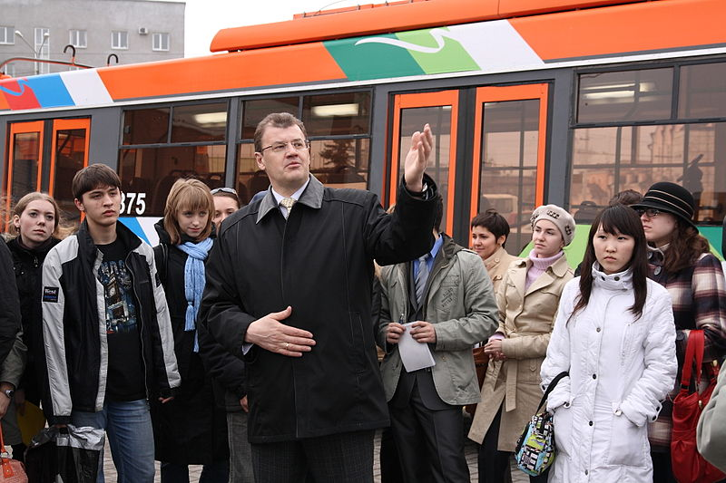 File:Nikolaychuk a tour guide.JPG