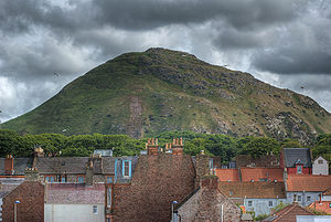 A view of North Berwick law from the seafront ...