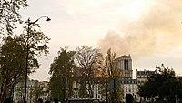 Notre-Dame de Paris, Incendie 15 avril 2019 20h14.04.jpg