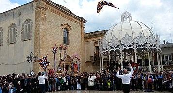 'Nzegna in piazza il martedì dopo Pasqua a Carovigno