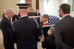 Frank Buckles - US President Barack Obama and Vice President Joe Biden pay respects to Buckles' family
