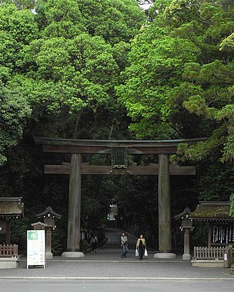 Ōmiwa Shrine - Second torii leading to the inner sanctuary