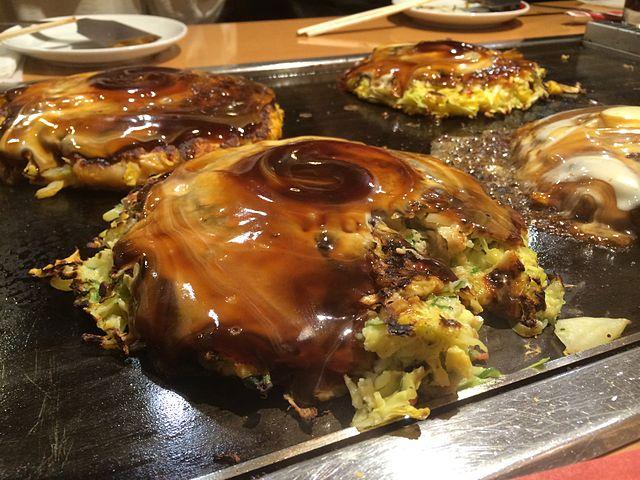 Wikimedia image of Osaka style okonomiyaki